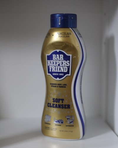 Product Review: Bar Keepers Friend, The Best Bathroom Cleaner