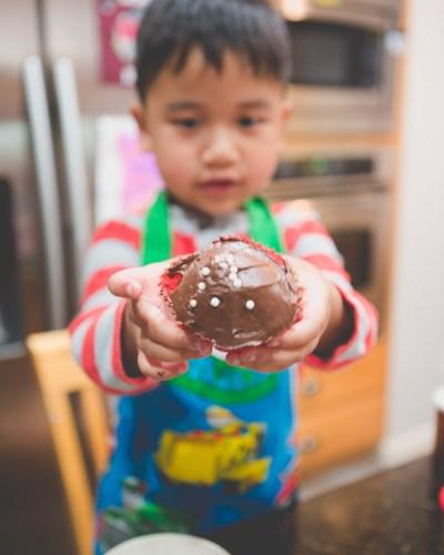 10 on 10: Baking Cupcakes