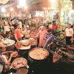 Belanja Makanan di Pasar Tradisi Unik Muslim India Menyambut Lebaran