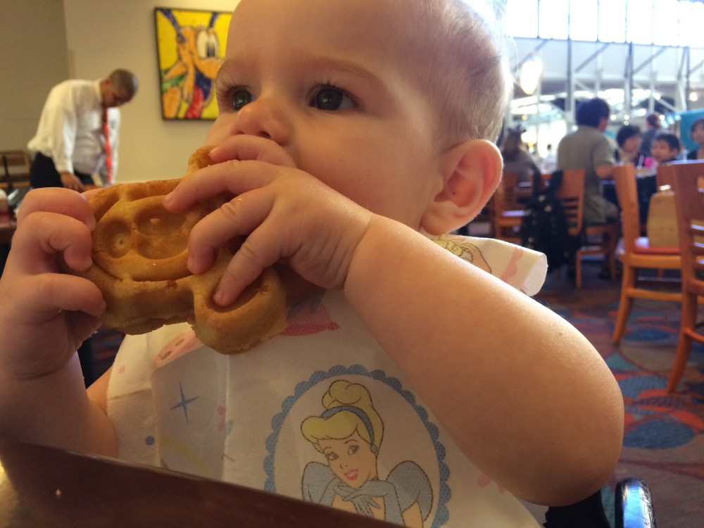 Character Dining in Disney with a baby and a toddler // www.amonkeyandhismama.com