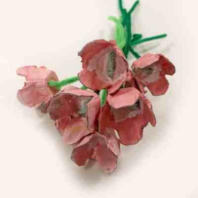 white center pink tulip craft - amorecraftylife.com