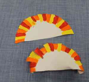 curly turkey kid craft - fall kid craft - paper plate craft - thanksgiving kid craft - amorecraftylife.com #kidscraft #craftsforkids #preschool
