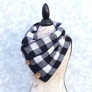 plaid crochet patterns - crochet pattern pdf - cowl crochet pattern - amorecraftylife.com #plaid #crochet #crochetpattern