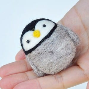 penguin needle felted kit - DIY craft kits - gift ideas- creative gifts - arts and crafts activities - amorecraftylife.com