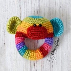 baby rattle crochet pattern - beginner amigurumi crochet pattern- crochet pattern pdf - amigurumi amorecraftylife.com #crochet #crochetpattern