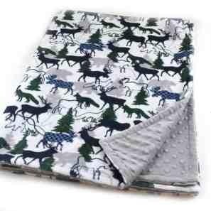 forest animal nursery - woodland nursery idea - nursery theme - buffalo plaid nursery - amorecraftylife.com #baby #nursery #babygift #woodland