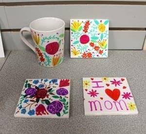 sharpie mug kid craft- mothers day gift kid crafts -amorecraftylife.com #kidscraft #craftsforkids #preschool
