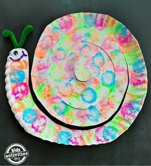 snail Kid Crafts - amorecraftylife.com #kidscrafts #craftsforkids #preschool