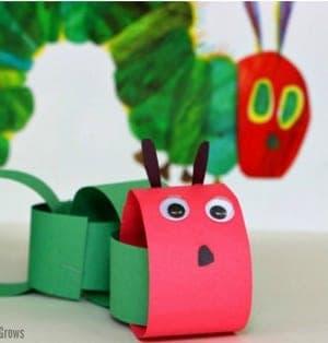 very hungry caterpillar Kid Crafts - bug kid craft - insect kid craft amorecraftylife.com #kidscrafts #craftsforkids #preschool