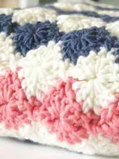 harlequin baby blanket free crochet pattern - bulky yarn- pattern pdf - amorecraftylife.com #crochet #crochetpattern #freecrochetpattern