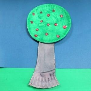 apple tree kid crafts- fall kid craft - autumn kid craft - amorecraftylife.com #kidscrafts #craftsforkids #preschool #fall