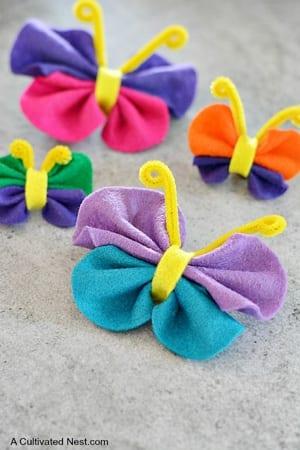 felt kid craft - amorecraftylife.com #kidscrafts #craftsforkids #preschool