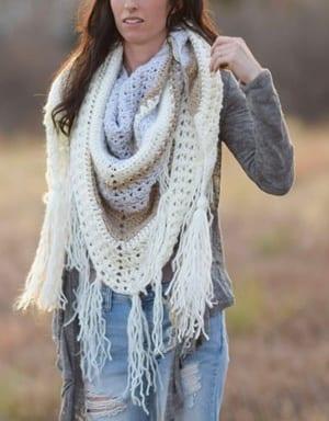 crochet triangular shawl pattern- scarf crochet pattern -crochet pray shawl pattern pdf -wrap - amorecraftylife.com #crochet #crochetpattern
