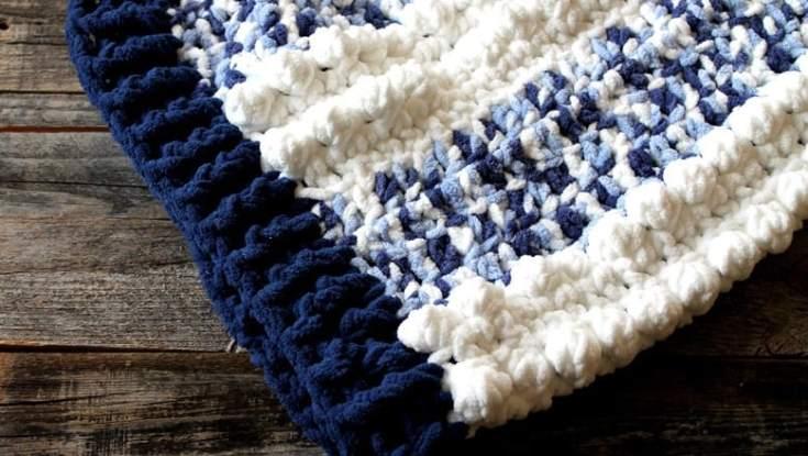 free blue dreams baby blanket crochet pattern - amorecraftylife.com - free printable pdf boy blanket #baby #crochet #crochetpattern #freecrochetpattern