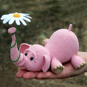Amigurumi Crochet Elephant Pattern | Supergurumi | 300x300