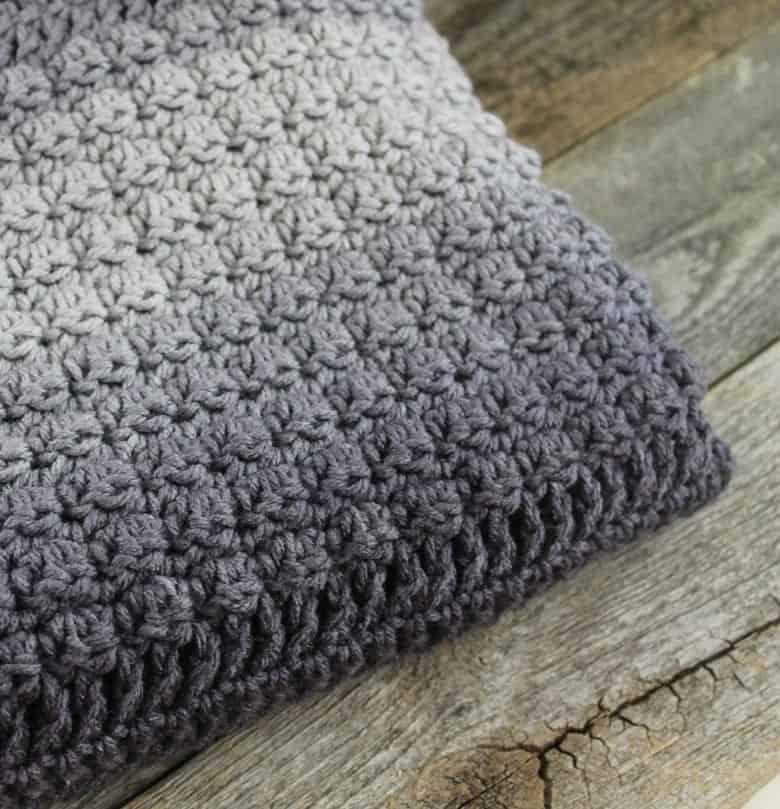free ombre textured throw blanket crochet pattern - crochet throw pattern- crochet blanket pattern -amorecraftylife.com #crochet #crochetpattern #freecrochetpattern