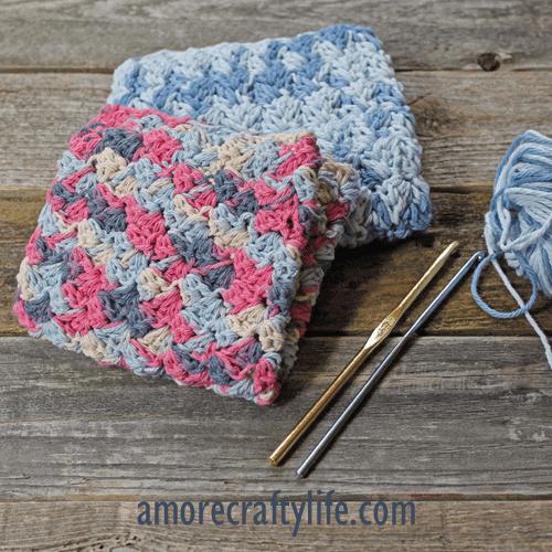 free printable sedge stitch crochet dishcloth pattern -amorecraftylife.com #crochet #crochetpattern #diy #freecrochetpattern