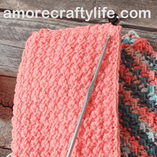 free printable crunch stitch crochet potholder pattern -amorecraftylife.com #crochet #crochetpattern #diy #freecrochetpattern