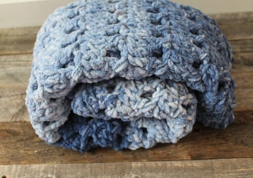 crossed double crochet baby blanket pattern - amorecraftylife.com -bernat blanket yarn baby blanket - baby afghan - free printable crochet pattern #baby #crochet #crochetpattern #freecrochetpattern