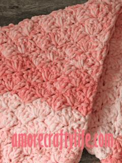 pink bubbles baby blanket pattern - amorecraftylife.com -bernat blanket yarn baby blanket - baby afghan - free printable crochet pattern chunky blanket pattern #baby #crochet #crochetpattern #freecrochetpattern