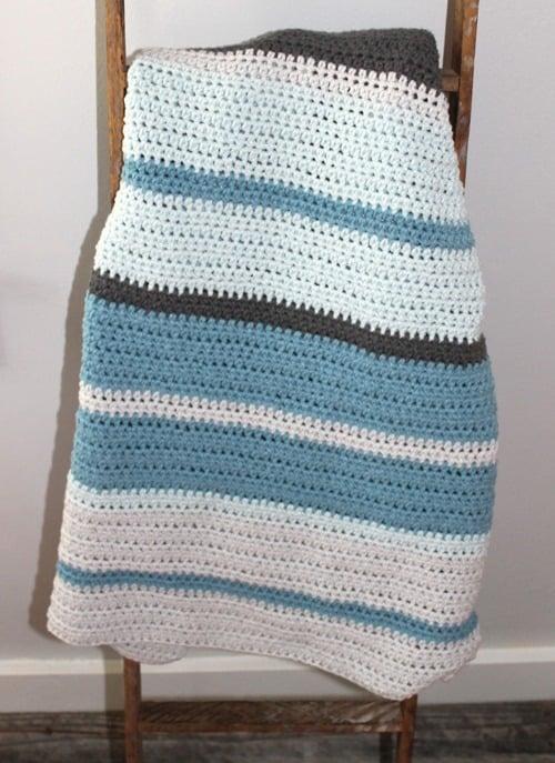 blue boy stripe baby blanket crochet pattern 1