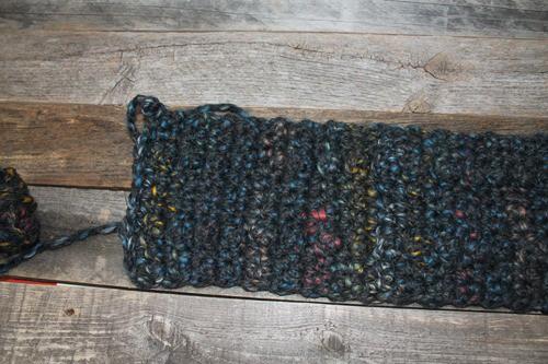 Make a bulky headband pattern. Chunky Treble Crochet Headband Pattern -crochet ear warmer pattern- printable pdf - winter headband - amorecraftylife.com #crochet #crochetpattern #freecrochetpattern