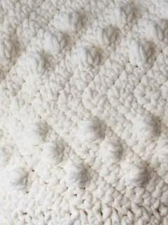 modern chunky chevron crochet blanket pattern - amorecraftylife.com - ripple afghan - free printable crochet pattern #crochet #crochetpattern #freecrochetpattern