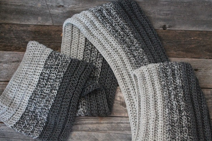 free ribbed men's crochet scarf pattern -easy unisex crocheted scarf pattern - amorecraftylife.com #crochet #crochetpattern #freecrochetpattern