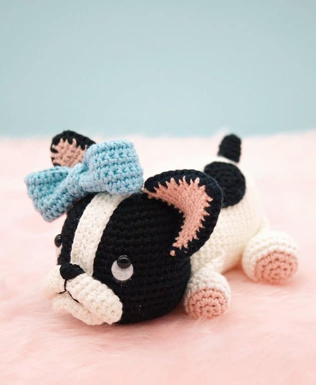 Bell the dog crochet pattern - amigurumi - animal crochet pattern #crochet #crochetpattern