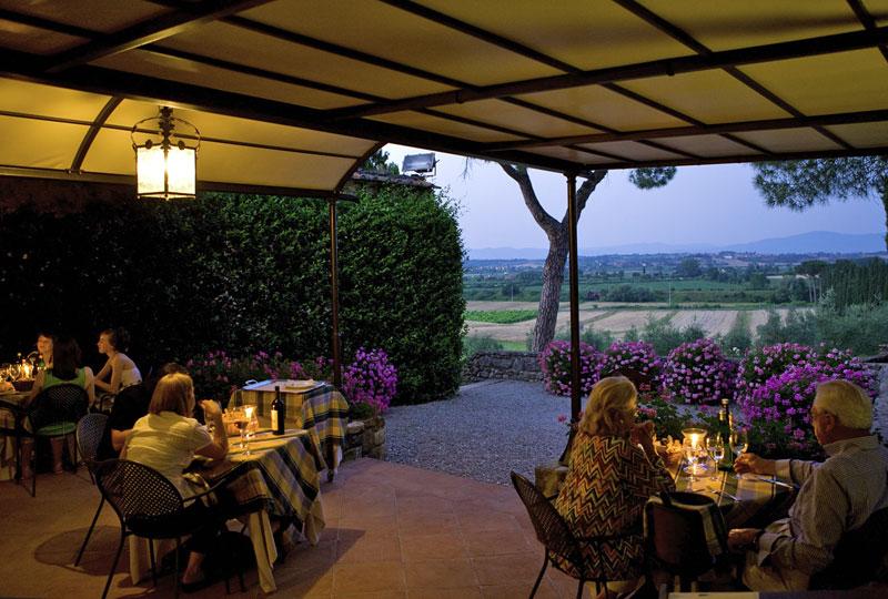 LAmorosa ristorante nella campagna Toscana  Siena