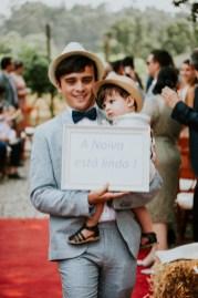 Destination Wedding in Portugal Vineyard - Gabi + Joe_073