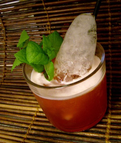 kon-tiki-ti-punch-with-ice-cone