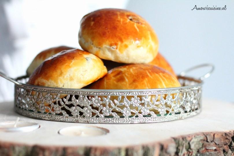 rozijnen broodjes