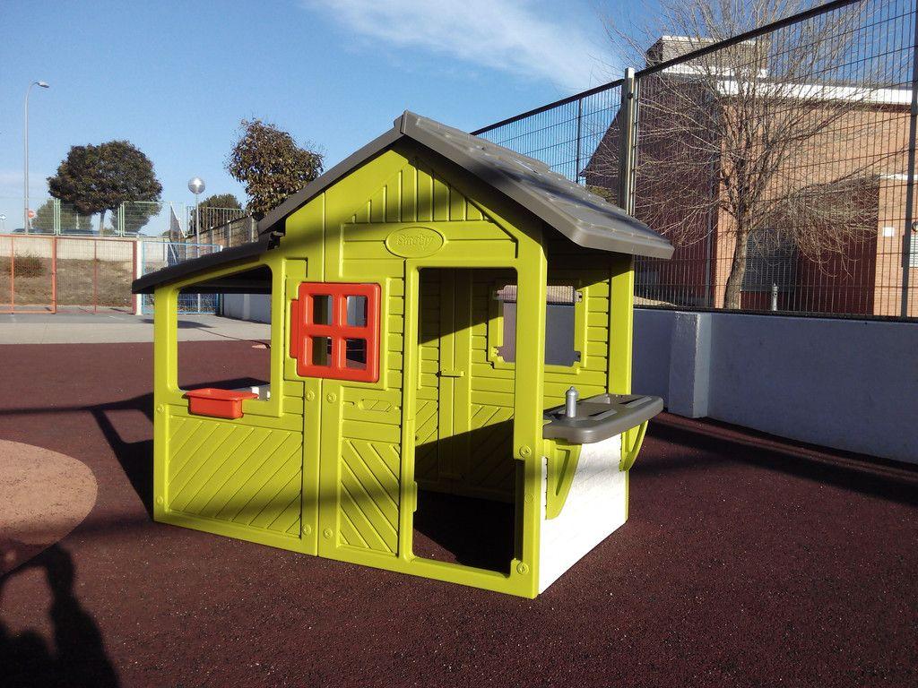 Nuevas casitas para el patio de infantil ampa salvador dal for Casitas de patio para almacenar