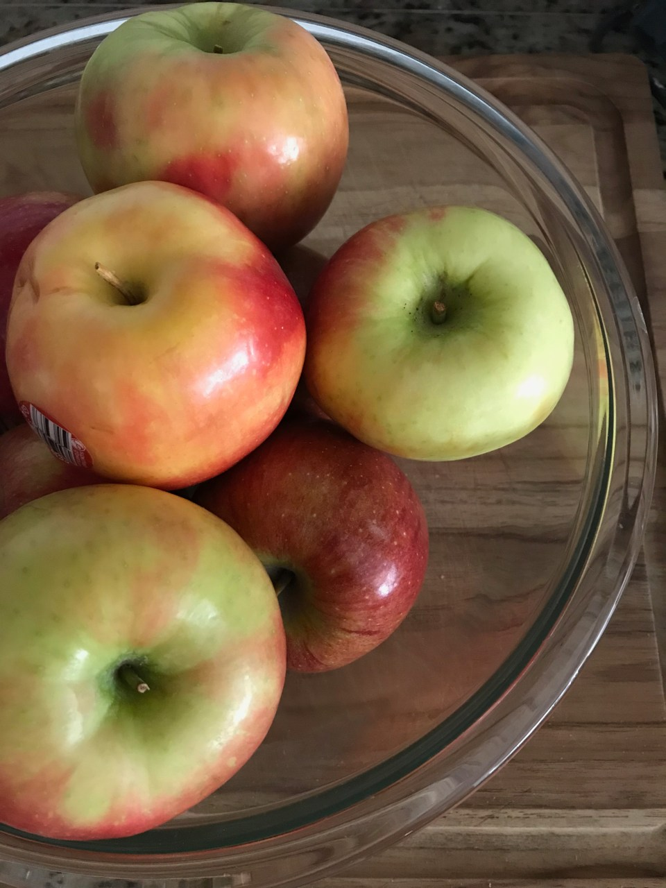 pick a tart and a sweet apple for a great balanced pie