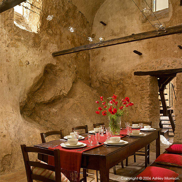 The dining room in L'Arco villa.