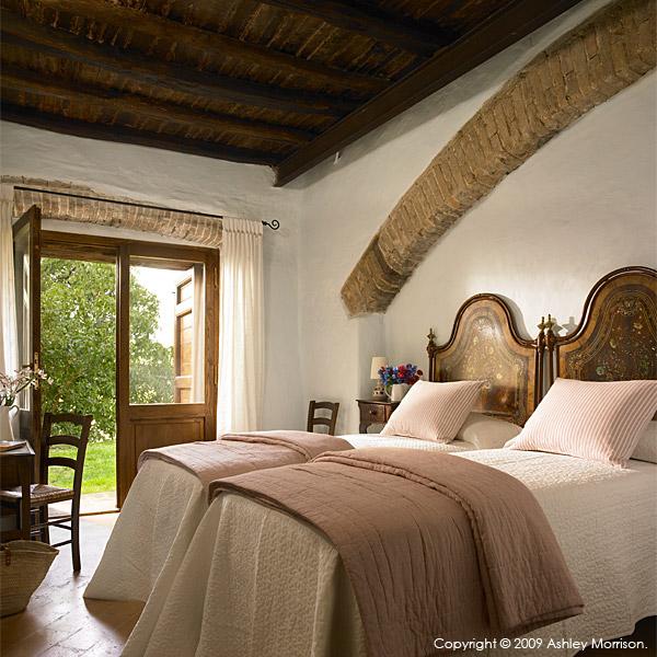 Bedroom in IL Cipresso villa.