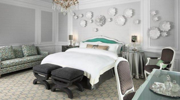 PropertyImage_TheStRegisNewYork_NewYork_Hotel_GuestroomSuites_TiffanySuite_Bedroom_CreditStarwoodHotelsandResortsWorldwideInc