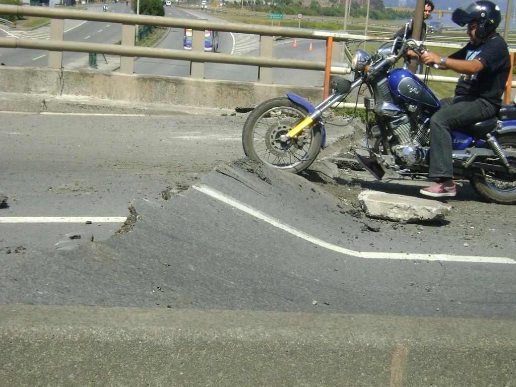 Terremoto, ¿qué hacer al ir en moto?