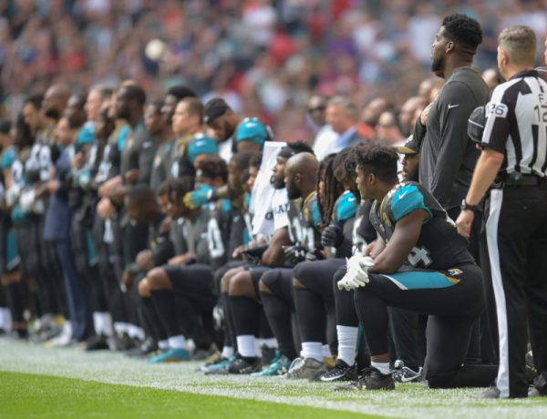 NFL Players Kneeling