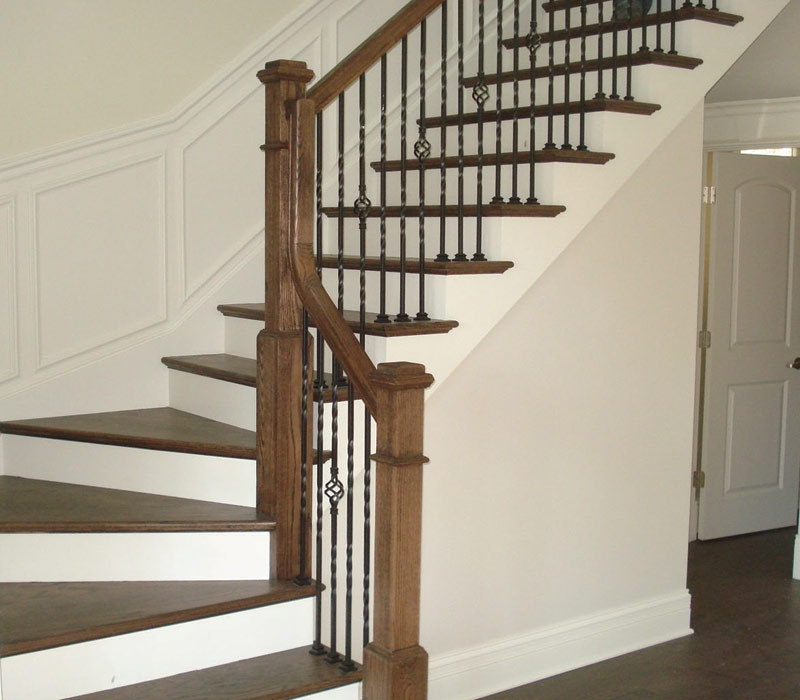 12 Two Tone Red Oak Poplar Stair With 4091 Box Newel 8200 | Two Tone Wood Stairs | Timber | Partially Carpeted | White Back | Diy | Rug