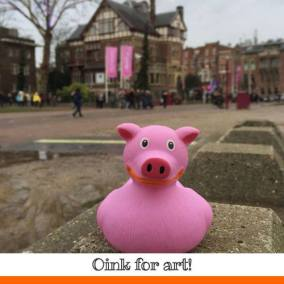 Pig rubber duck Moco Museum Amsterdam Duck Store
