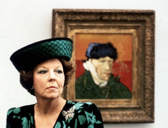 Queen Beatrix visited the Vincent van Gogh Museum in 1990