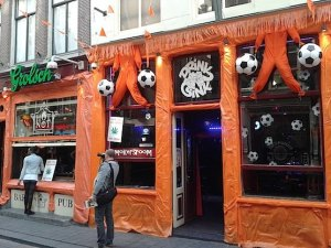 Cafe Hot or Not in Amsterdam's Red Light District