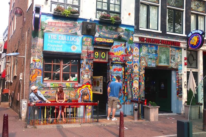 coffeeshop the bulldog amsterdam