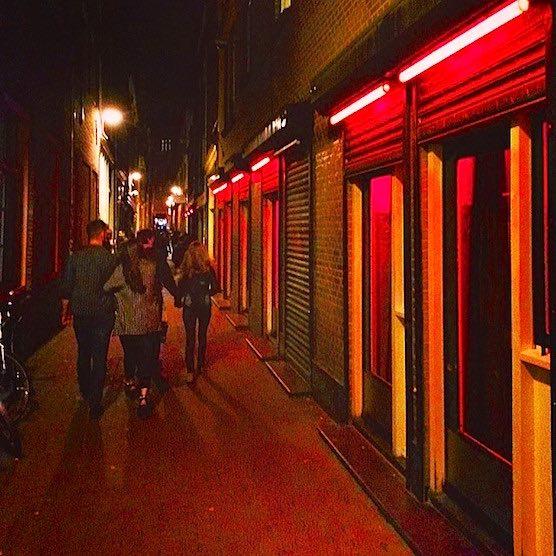 breaking news amsterdam starts city brothel amsterdam red light district tours. Black Bedroom Furniture Sets. Home Design Ideas