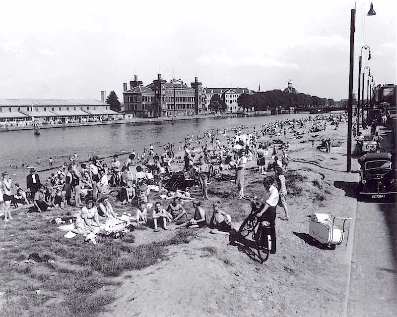 Beach At Prins Hendrikkade