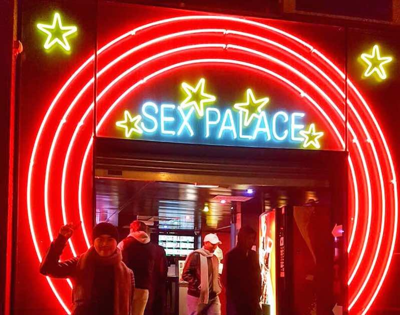 Amsterdam Red Light District Stories: Sex Palace Peep Show