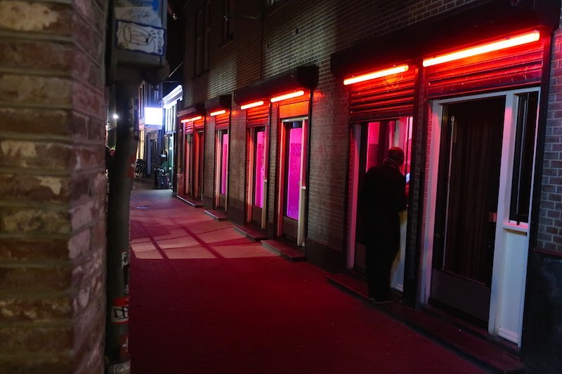 amsterdam prostitution houses window brothels