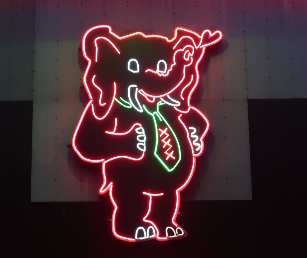 Casa Rosso Pink Elephant